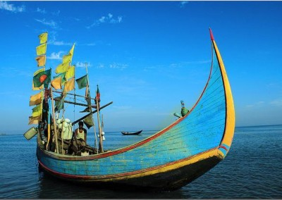sail the fishing boat is coxs bazar tour with deshghuri