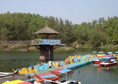 Fay's Lake paddle boat station