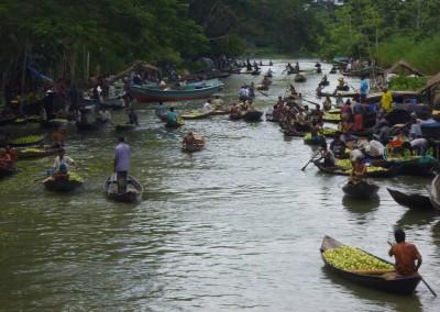 floating market in Barishal Bangladesh