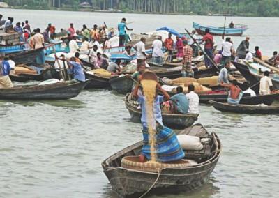 floating_wholesale_rice_market