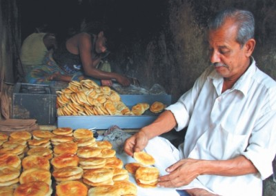 Making of bakarkhani in old dhaka