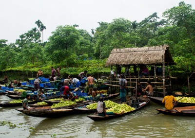 flotaing-fruit-market_backwater