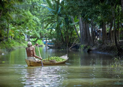on-the-way-to-floating-market_barishal